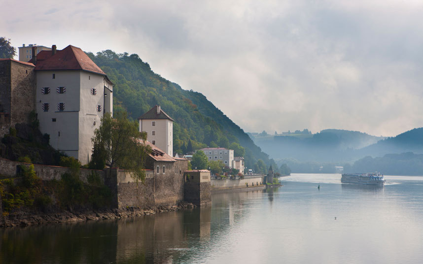 River Boat Generic danube-mist-alamy AXXX