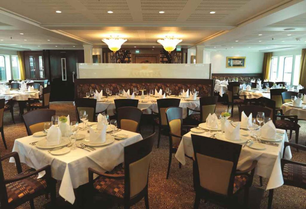 Ama Lyra Restaurant Sitting Area