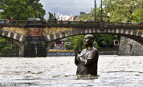 RB Flooding Prague Statue  AXXX