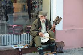 old-banjo-player-bxxx